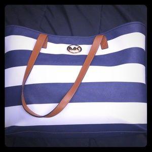 MK Handbag with wallet